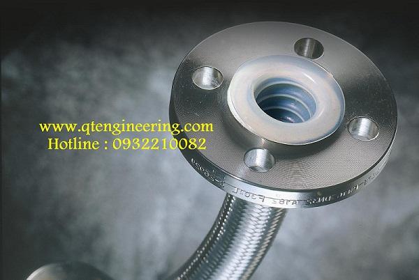 Ống nhựa mềm PTFE (teflon) dẫn hóa chất axit bazơ hai đầu lắp mặt bích inox